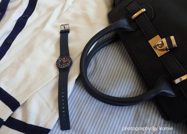 ネイビーの腕時計コーデ